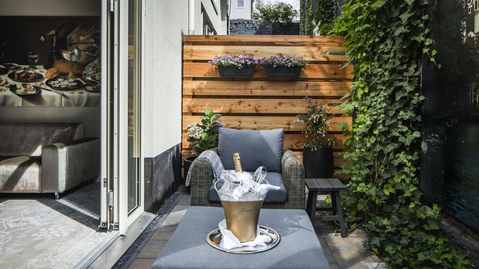 luxury-suite-patio--9goed-